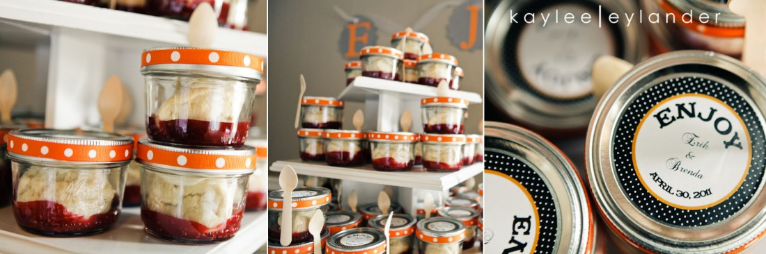Mason jars with scones wedding favors